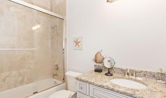 bathroom-counter-22cb